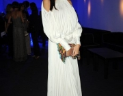 madalina-ghenea-wearing-out-my-shoes-019