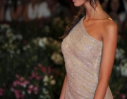 madalina-ghenea-wearing-out-my-shoes-032