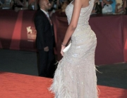 madalina-ghenea-wearing-out-my-shoes-034