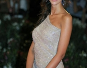 madalina-ghenea-wearing-out-my-shoes-037
